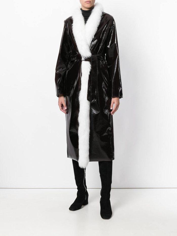 Верхняя одежда осень-зима 2019-2020: бархатное миди пальто