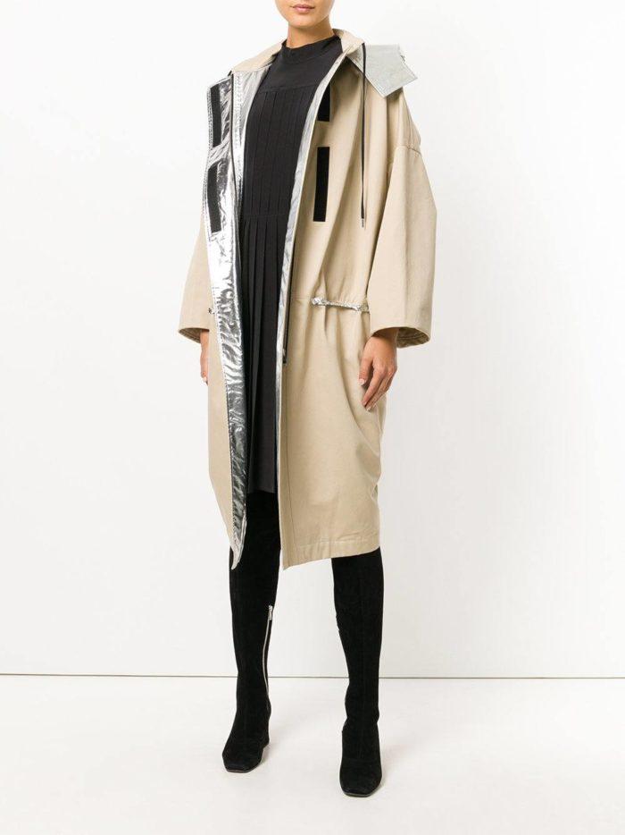 Верхняя одежда осень-зима 2019-2020: свободный бежевый плащ