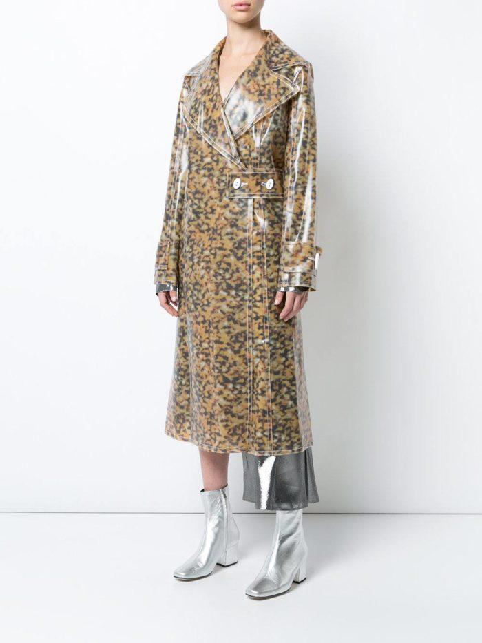 Верхняя одежда осень-зима 2019-2020: миди плащ с принтом