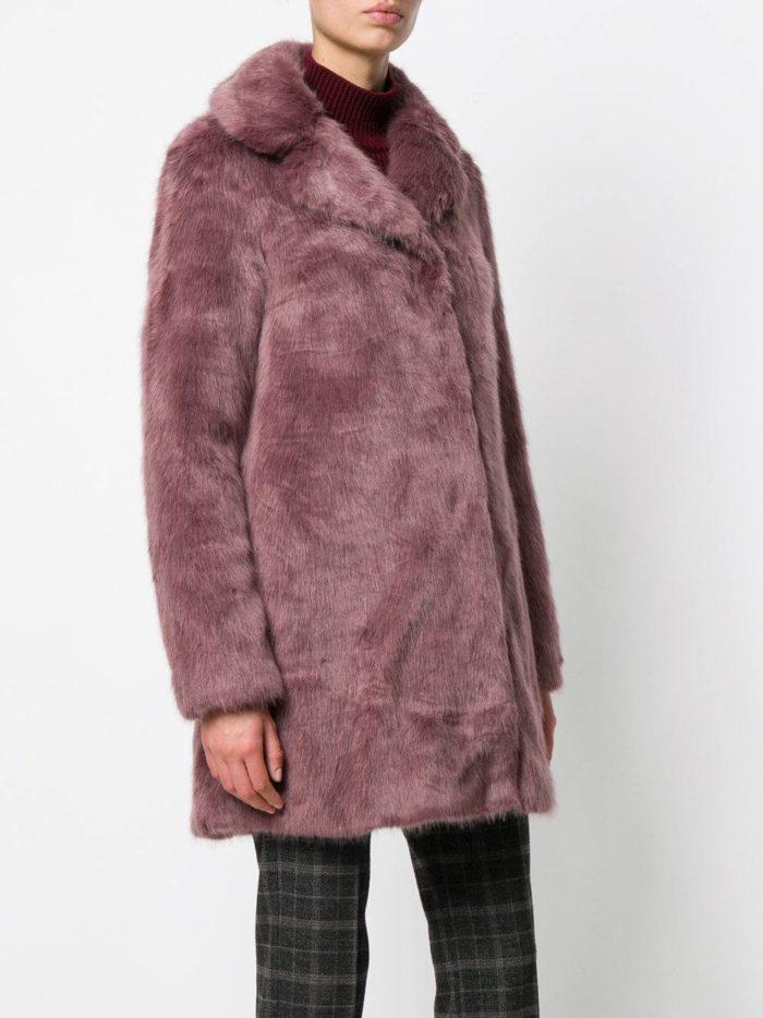 Верхняя одежда осень-зима 2019-2020: свободная сиреневая шуба