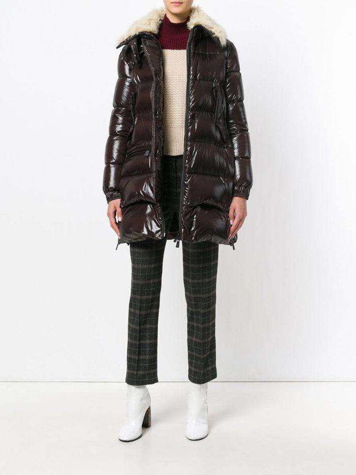 Верхняя одежда осень-зима 2019-2020: черный пуховик