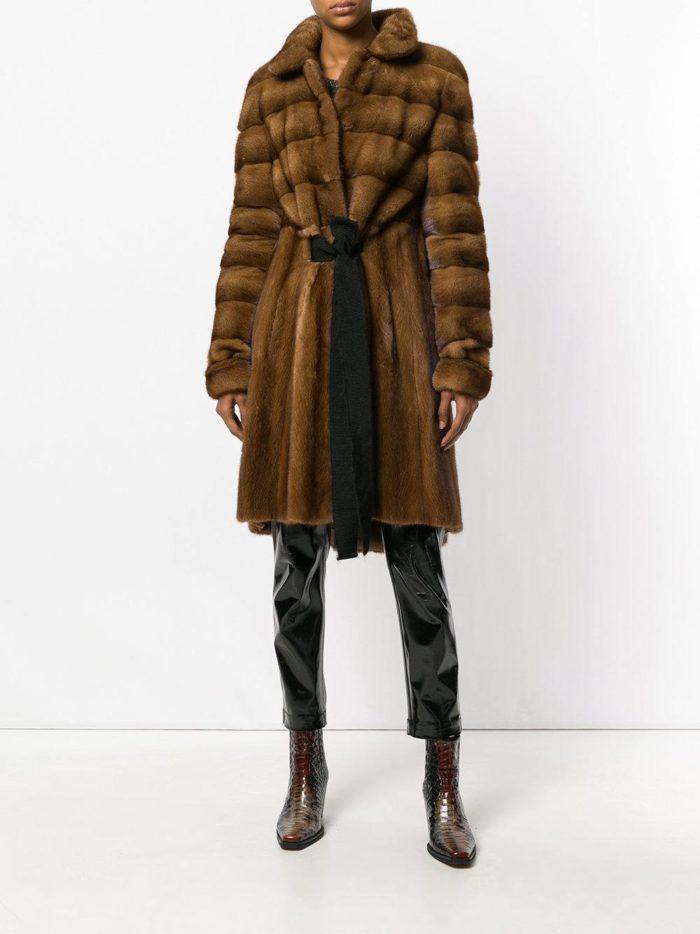 Верхняя одежда осень-зима 2019-2020: шуба миди с поясом