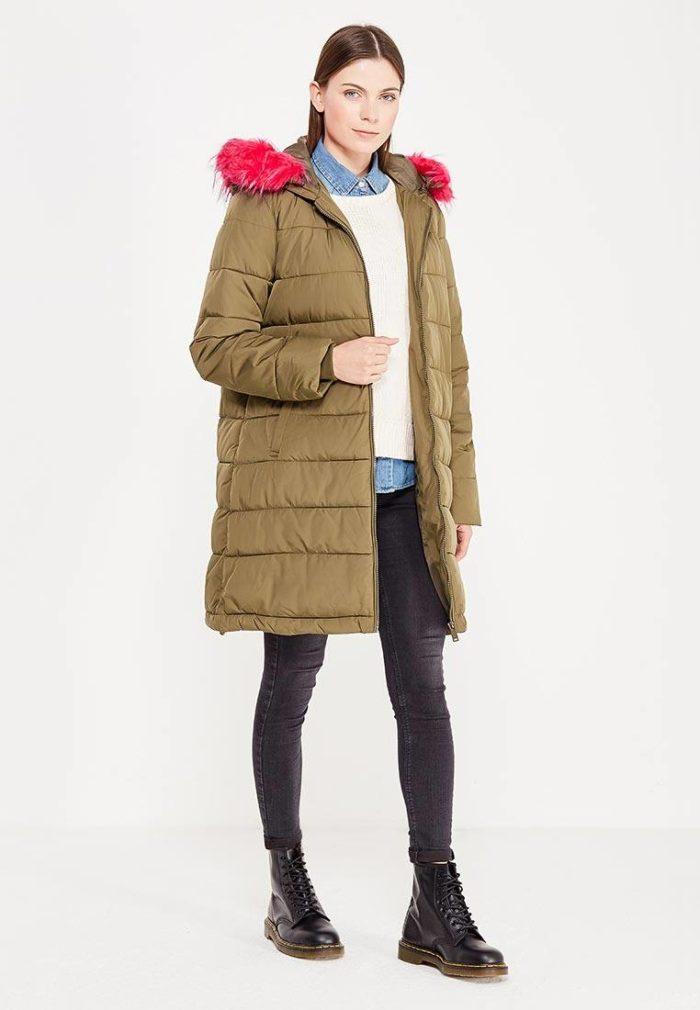 Верхняя одежда осень-зима 2019-2020: пуховик-парка с капюшоном