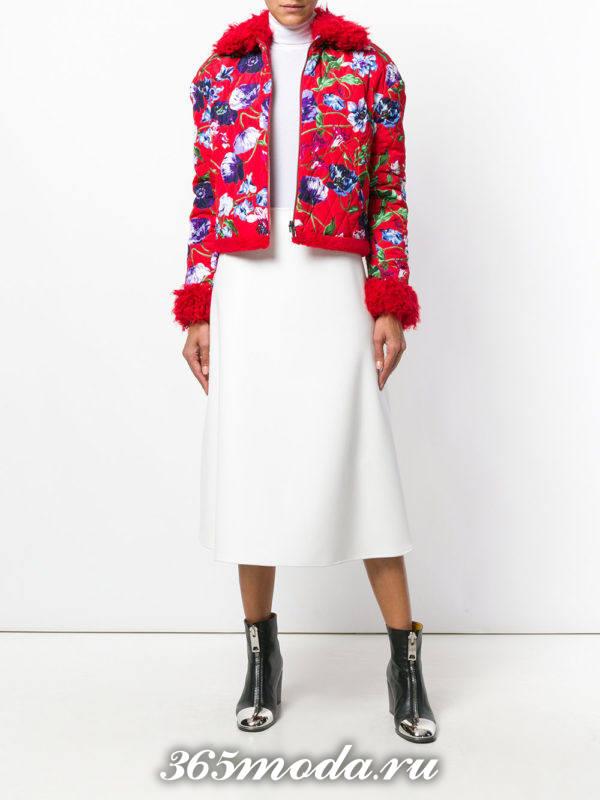 короткая стеганая куртка с принтом осень-зима