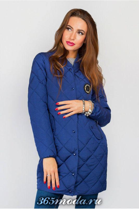 стеганая синяя куртка с декором осень-зима
