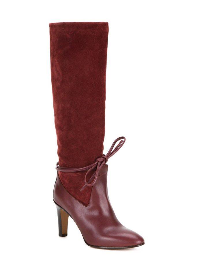женская обувь на зиму 2020-2021: комбинированные красные сапоги на каблуке