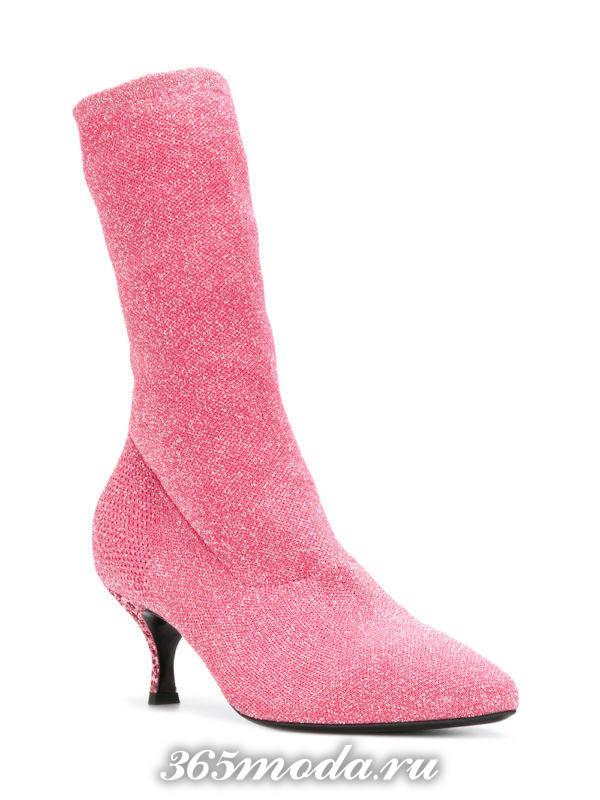 женские ботильоны 2018-2019: розовые на низких каблуках модные тенденции фото