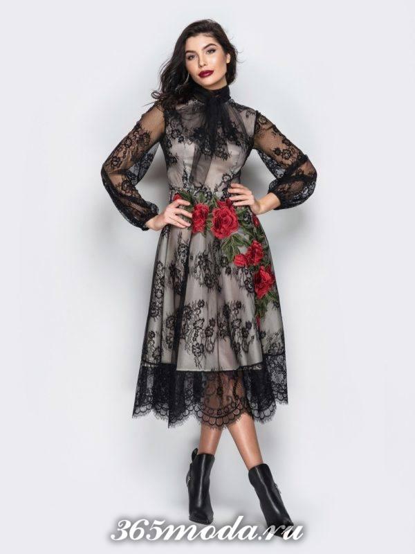 кружевное платье клеш с вышивкой для Святого Валентина
