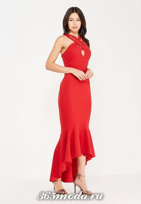 красное платье рыбка с переплетом на шее для Святого Валентина