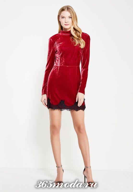 красное бархатное мини платье для Святого Валентина