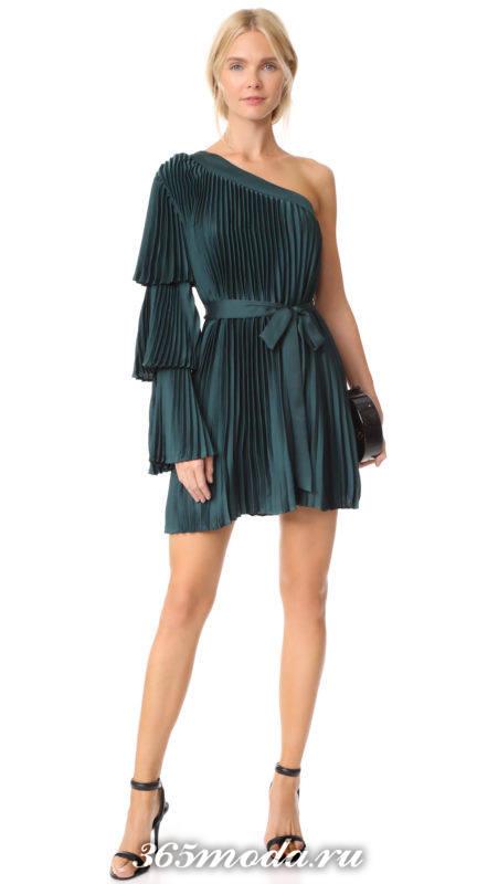 асимметричное мини платье плиссе для Святого Валентина