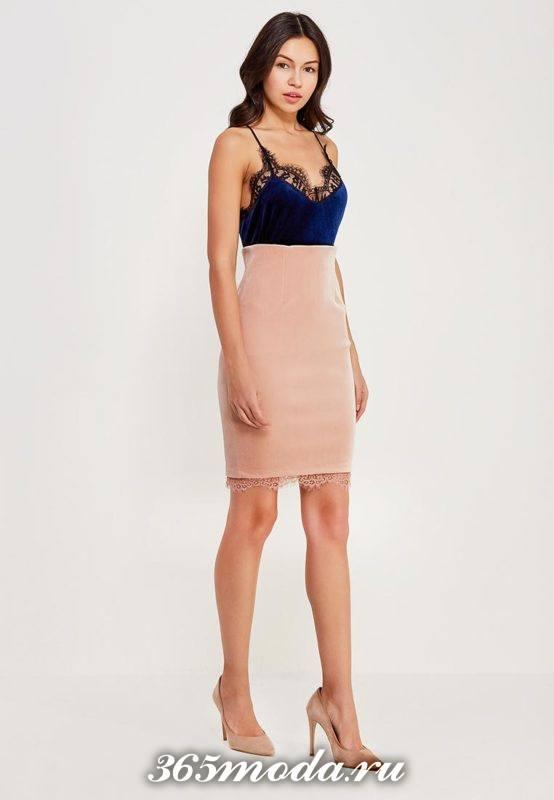 комбинированное бархатное платье с кружевом для Святого Валентина