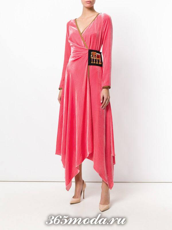 розовое бархатное асимметричное платье для Святого Валентина