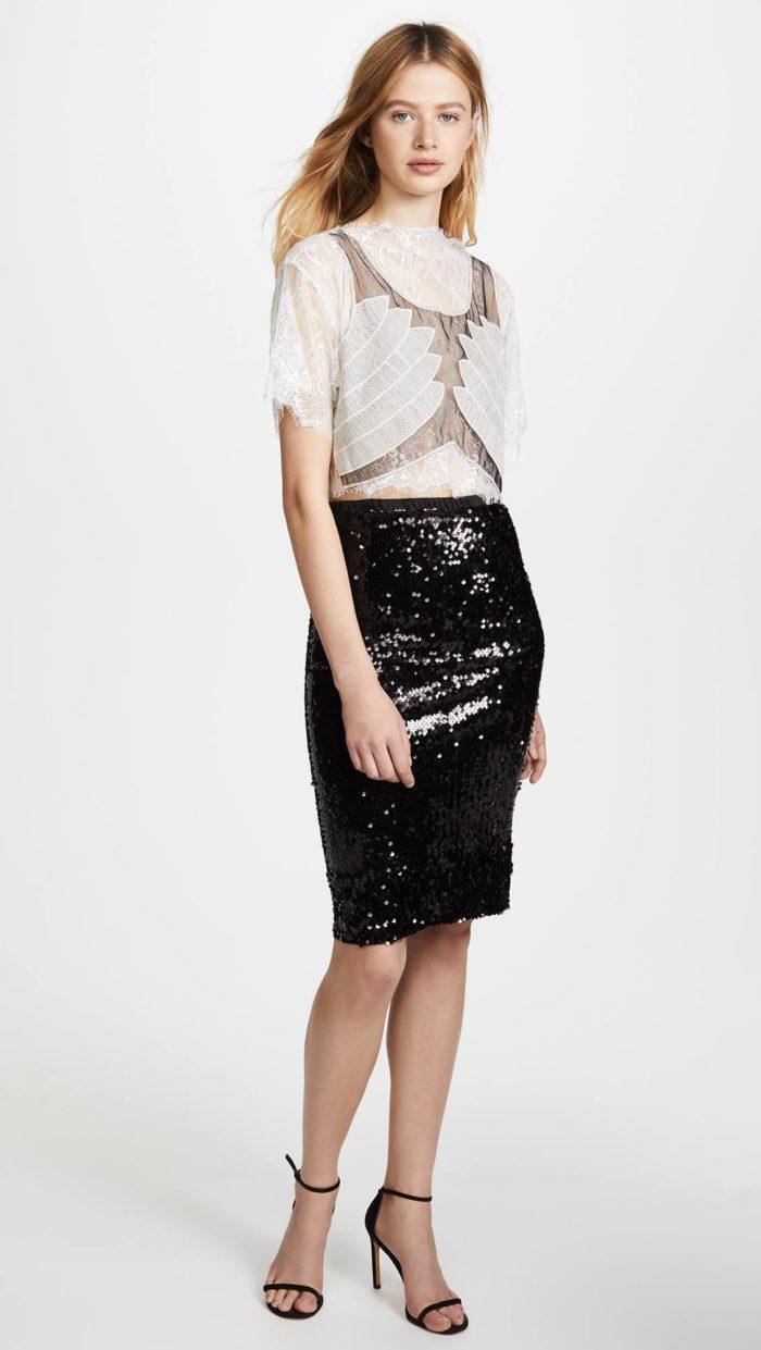 новогодний комплет из блестящей юбки карандаш и кружевной блузки для знака зодиака близнецы