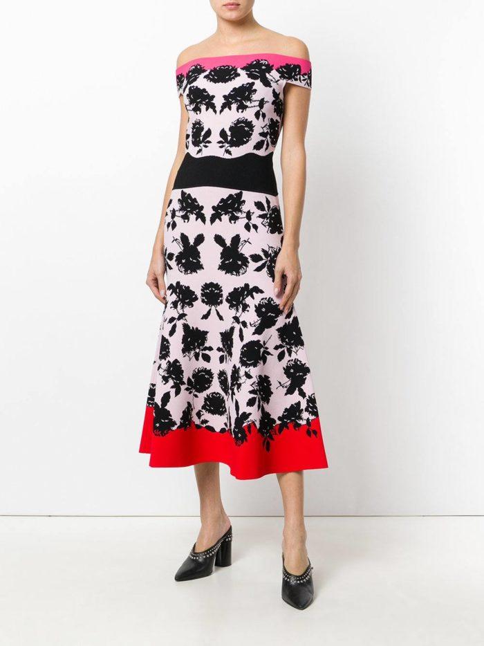 новогоднее миди платье с открытыми плечами для знака зодиака рак