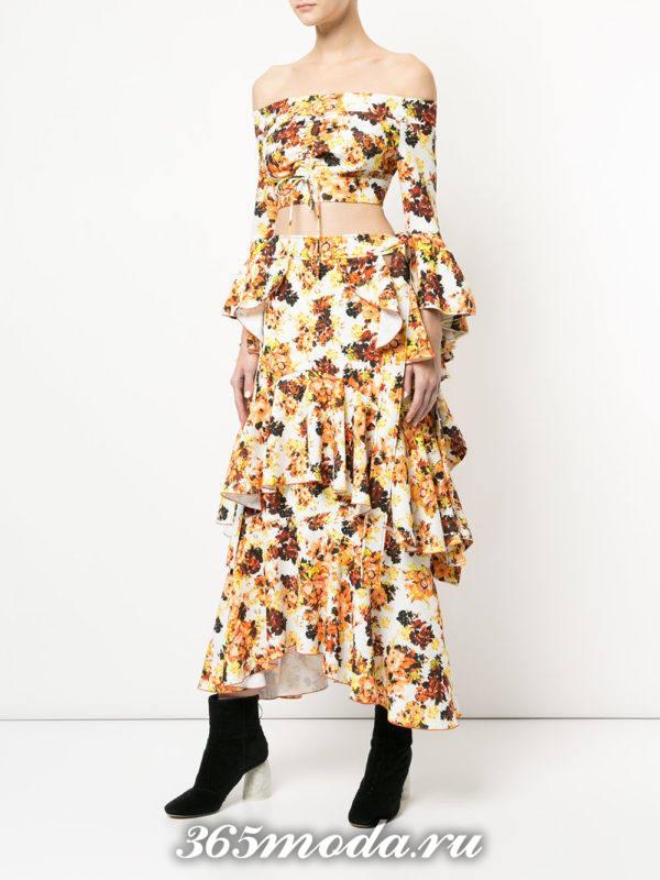 новогодний юбочный комплект с оборками и принтом для знака зодиака дева