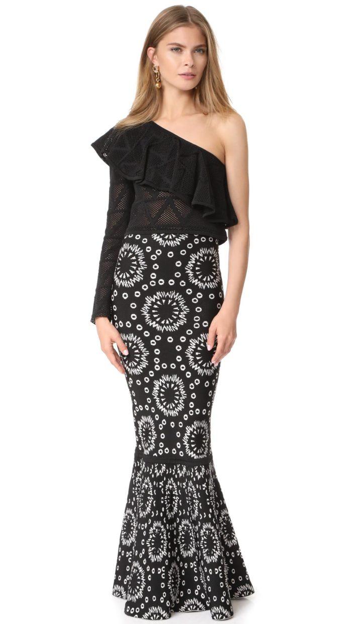 новогодняя юбка годе и черная блузка для знака зодиака весы