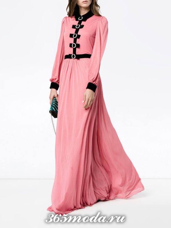 новогоднее розовое платье с поясом для знака зодиака стрелец