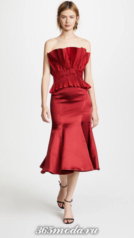 новогоднее красное миди платье с корсетом для знака зодиака стрелец
