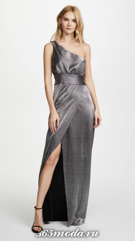новогоднее серое макси платье с разрезом для знака зодиака стрелец