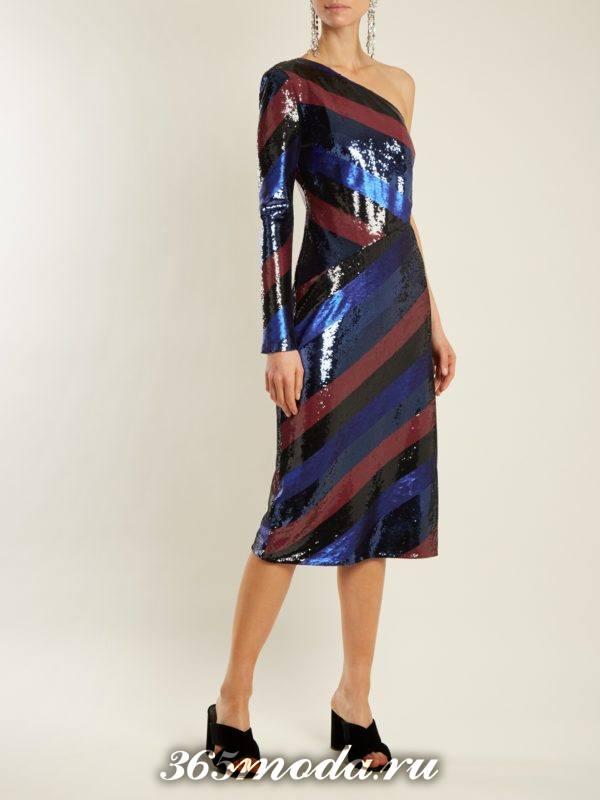 новогоднее блестящее платье в полоску для корпоратива в ресторане