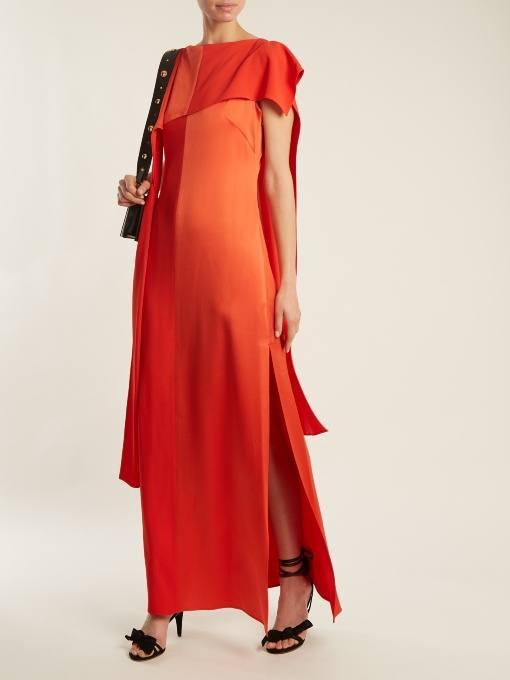 длинное коралловое платье с разрезом c чем носить