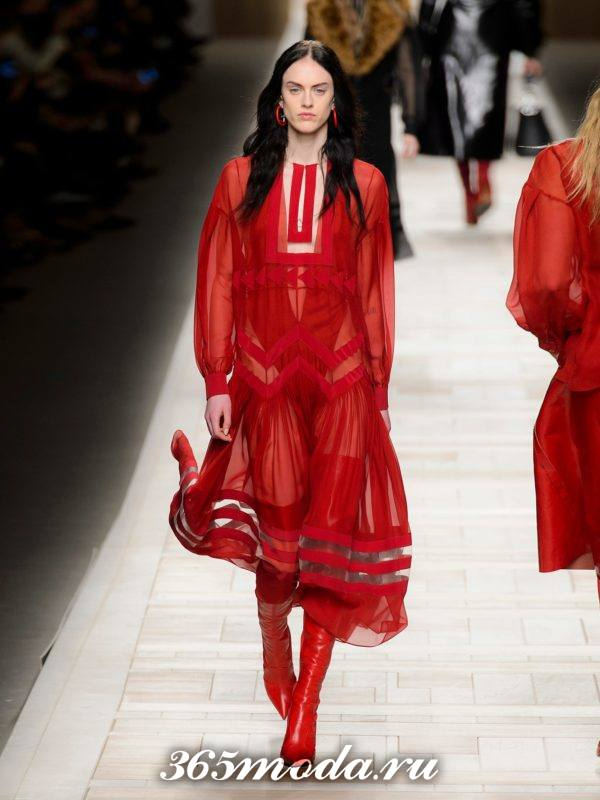 коралловое прозрачное макси платье c чем носить