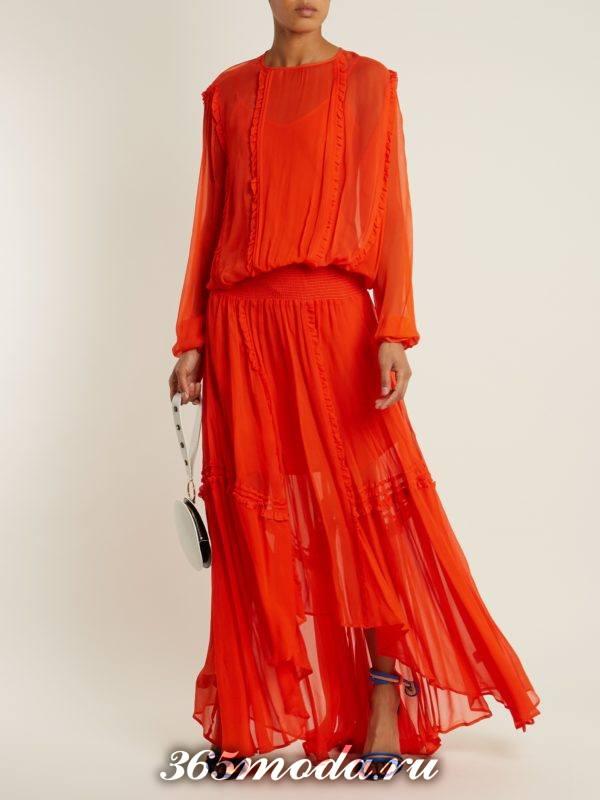 c чем носить коралловое платье с заниженной талией