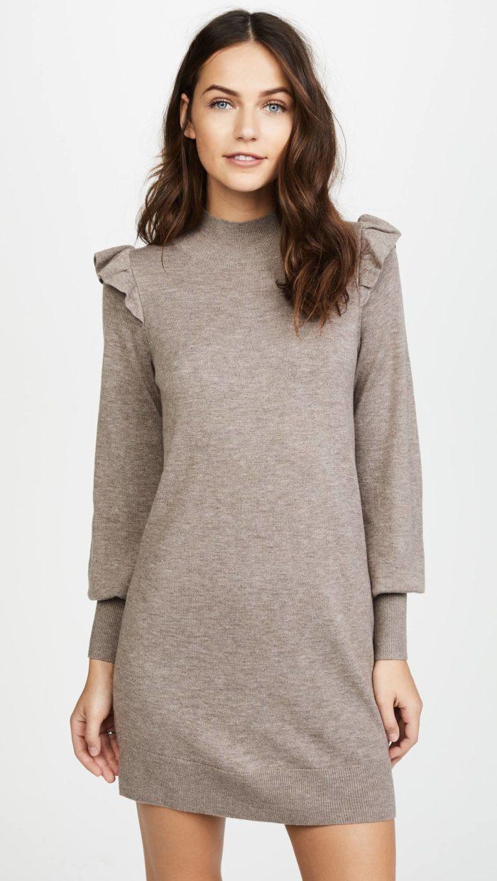Модные женские платья осень-зима 2019-2020: серое свитер с оборками с длинными рукавами