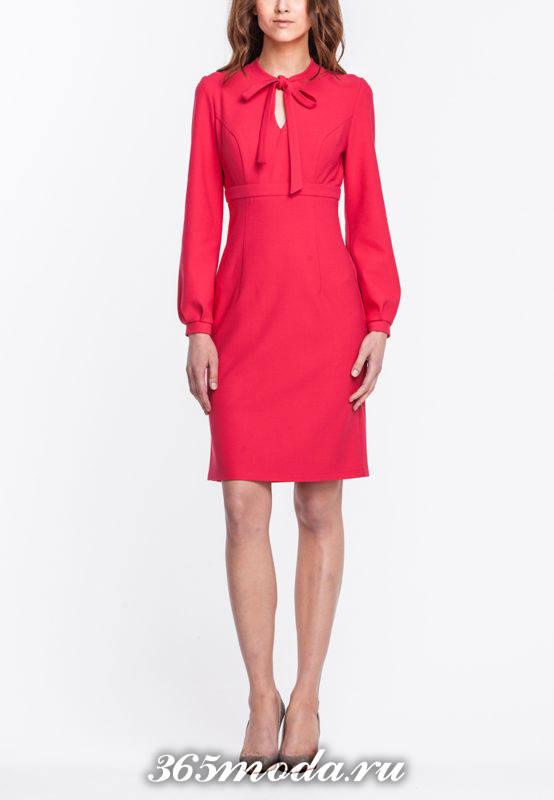 красное платье футляр с длинными рукавами осень-зима