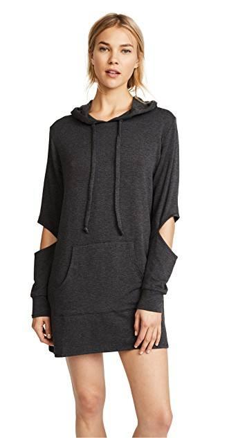 платье-толстовка с вырезами с длинными рукавами осень-зима