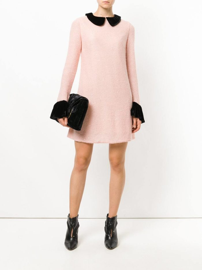 вязаное розовое мини платье с воротником осень-зима