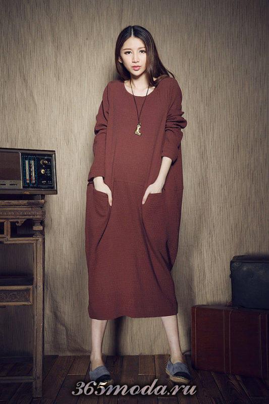 бордовое платье оверсайз с накладными карманами осень-зима