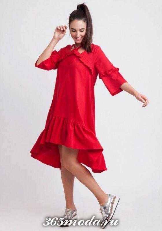 красное асимметричное платье с рюшами оверсайз осень-зима