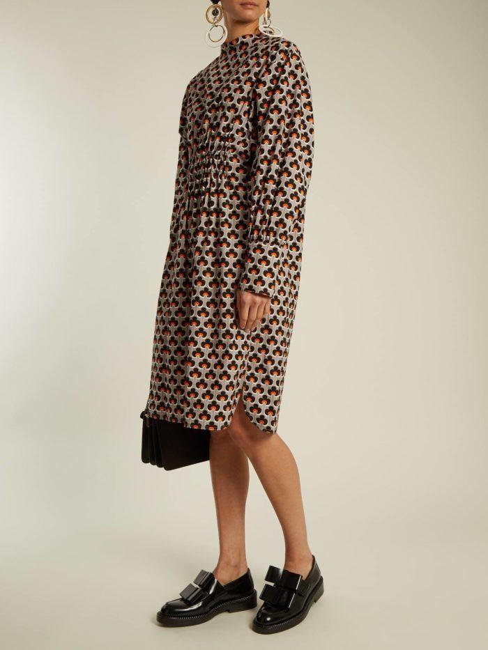 платье оверсайз с принтом осень-зима