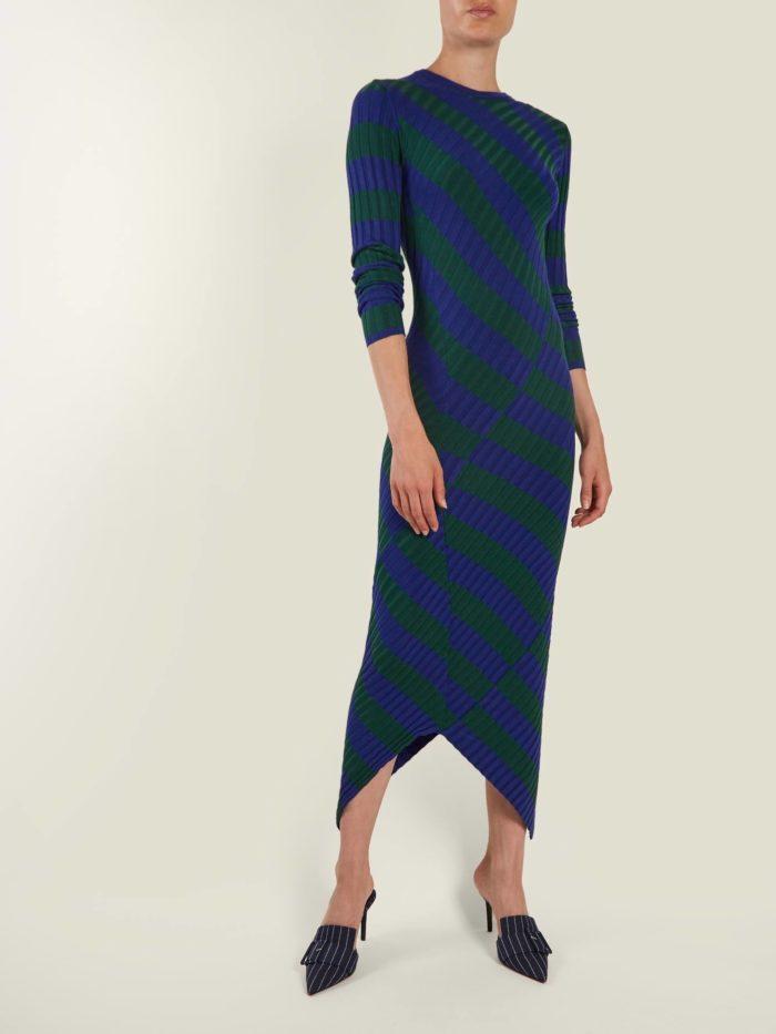 Модные женские платья осень-зима 2019-2020: асимметричное полосатое