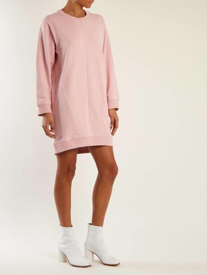 Модные женские платья осень-зима 2019-2020: розовое мини толстовка