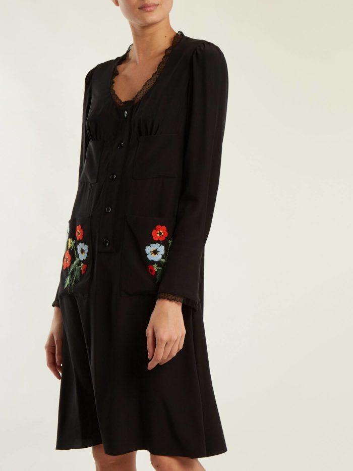 Модные женские платья осень-зима 2019-2020: черное с накладными карманами