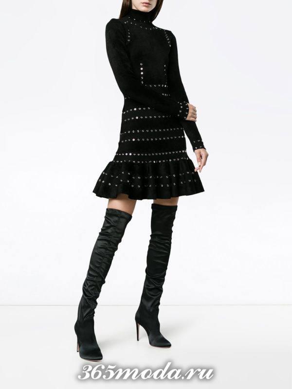 черное короткое платье с оборкой с длинными рукавами осень-зима