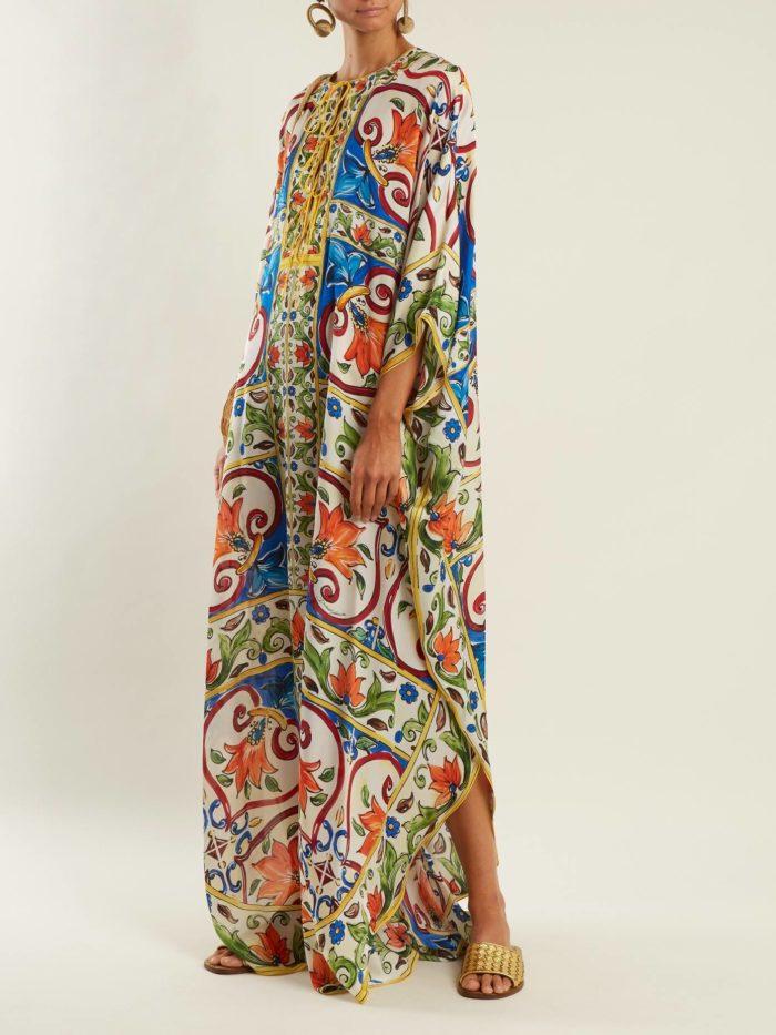 Пляжная мода 2019: длинный сарафан с принтом