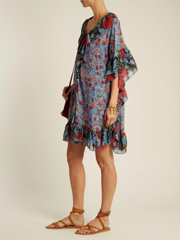 Пляжная мода 2019: сарафан с цветочным принтом и оборками
