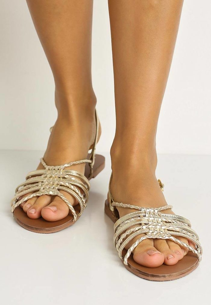 золотые сандалии с переплетом