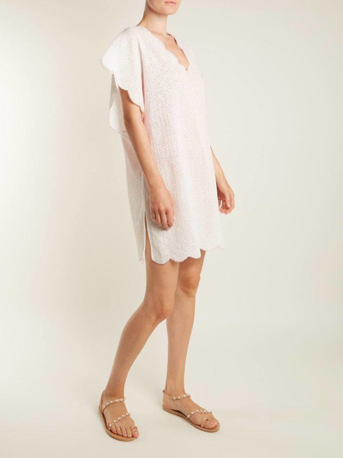 Пляжная мода 2020: белый короткий сарафан