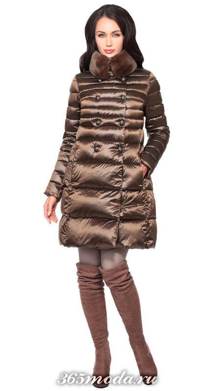 коричневый блестящий пуховик-платье до колена