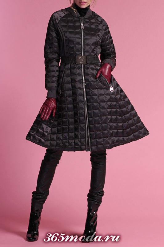 черный пуховик-платье до колена