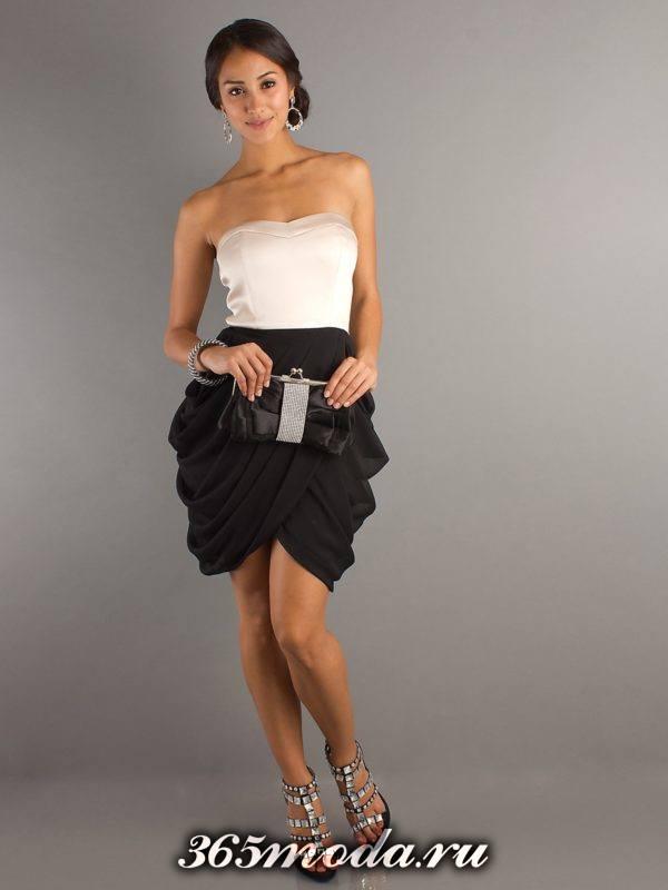 серая юбка тюльпан со сборками и белый топ