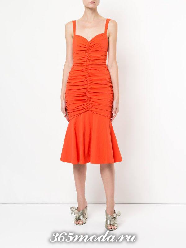 новогоднее оранжевое миди платье рыбка