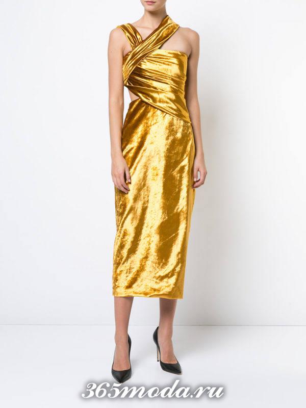 новогоднее золотое асимметричное платье футляр