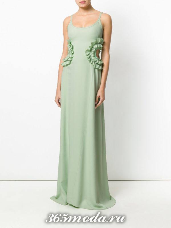новогоднее зеленое платье макси с оборками