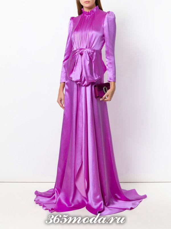 новогоднее пурпурное платье макси с бантом
